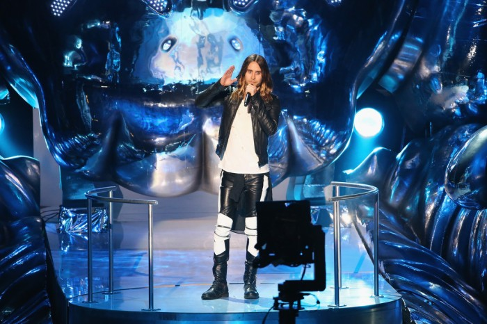 celebrity-style-jared-leto-wears-saint-laurent-2013-mtv_s-video-music-awards-derriuspierrecom-2
